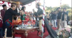 Hadiri Pawai Budaya, Camat Towea Puji Kepemimpinan Bupati Muna