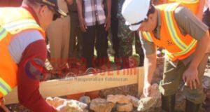 Bupati Konut Resmikan Pembangunan Rumah Nelayan di Laimeo
