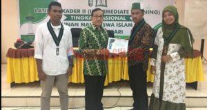 Gelar Latihan Kader II, HMI Cabang Kendari Hadirkan Akbar Tanjung