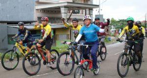 Perkenalkan Destinasi Wisata, Pemda Soppeng Ajak Pegawai BPK Keliling Naik Sepeda