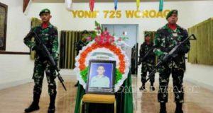 Sebelum Dikebumikan, Jenazah Praka Risno Disemayamkan di Yonif 725 Woroagi