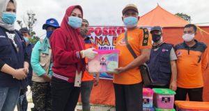 Kunjungi Korban Banjir, TNS Serahkan Paket Sembako dan Peralatan Bayi