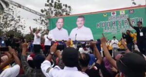 Bapaslon RABU Daftar di KPU Konut, Massa Simpatisan Tumpah Ruah di Sepanjang Jalan