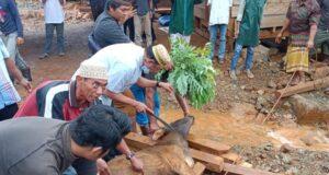 Tiran Group Salurkan 10 Ekor Hewan Kurban di Konut